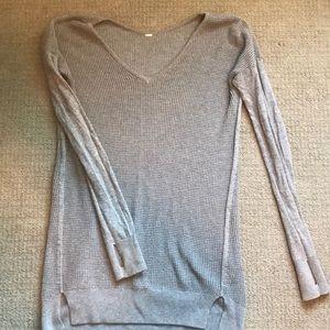 Lulu, Thin Sweater
